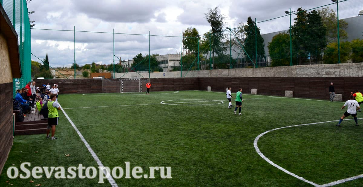 Футбольное поле Муссон в Севастополе после реконструкции