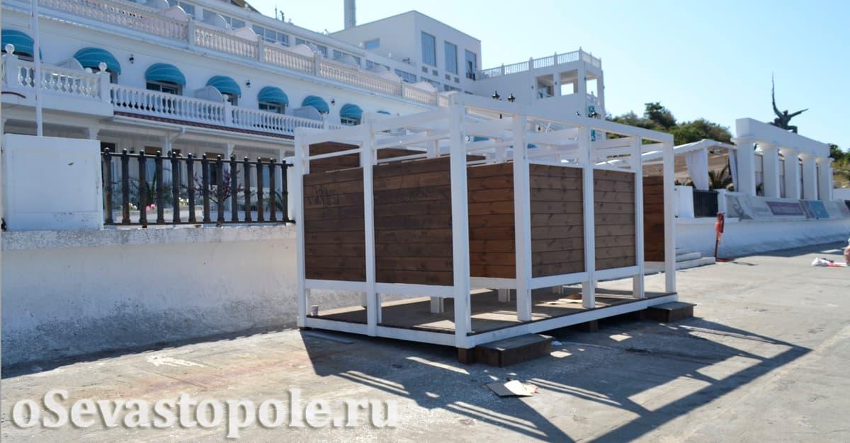 Кабинки для переодевания на пляже Хрустальный
