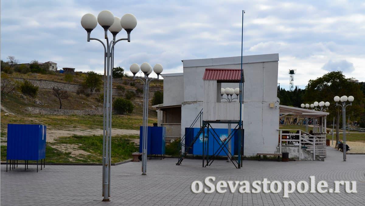 Спасательный пост на пляже Солнечный в Севастополе