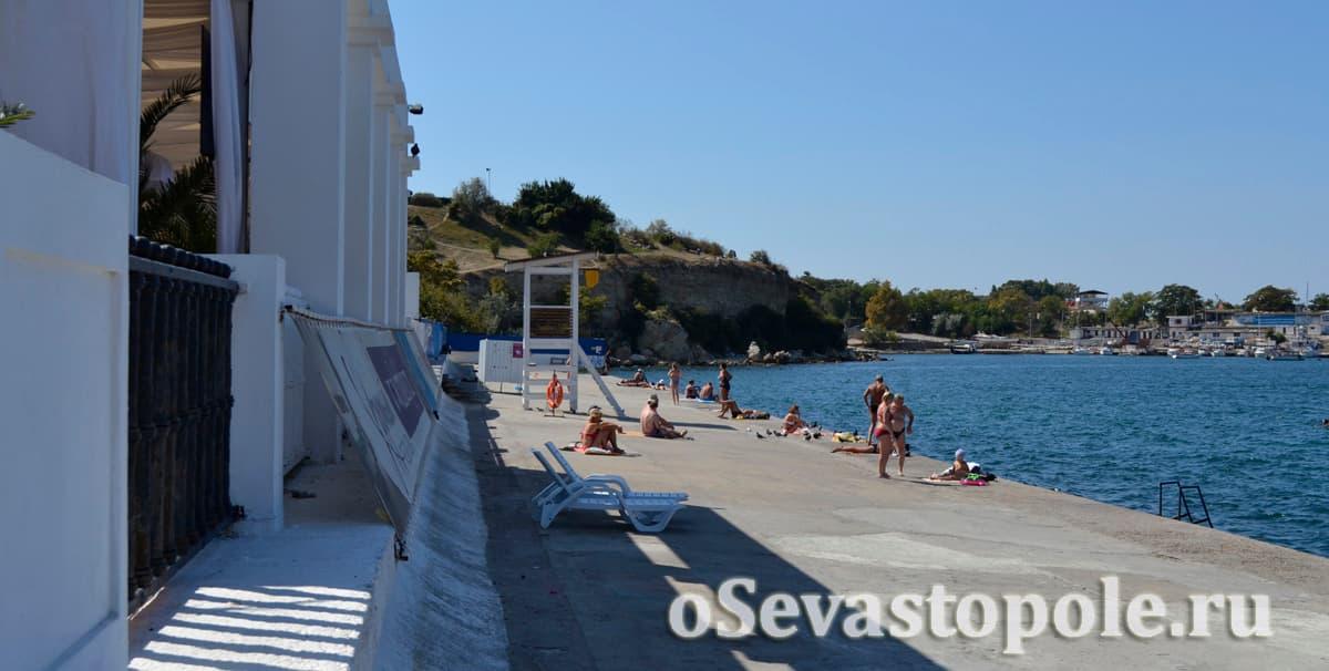 Вид на пирс пляжа Хрустальный