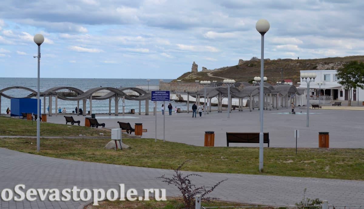 вид на пляж Солнечный в Севастополе