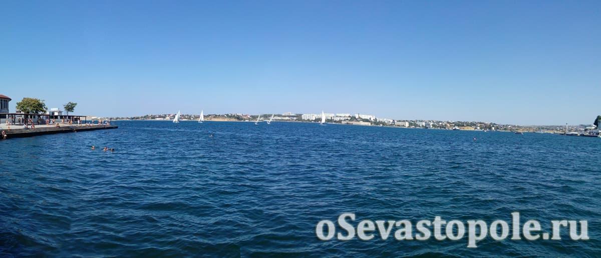 Вид с пляжа Хрустальный на бухту