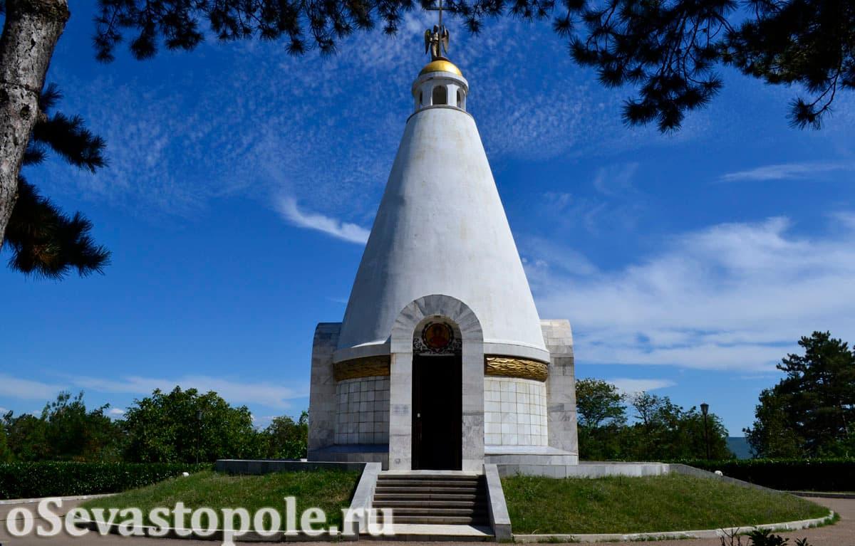 Храм-часовня св. Георгия Победоносца на Сапун-горе