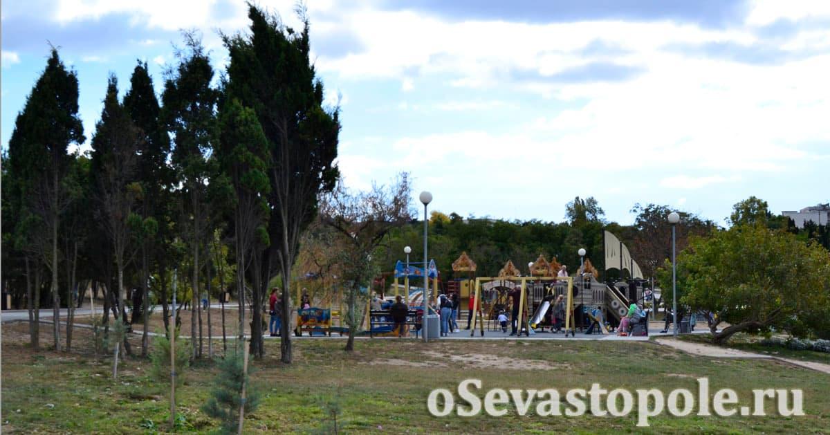 Детская площадка с пиратским кораблем в парке Ахматовой Севастополь