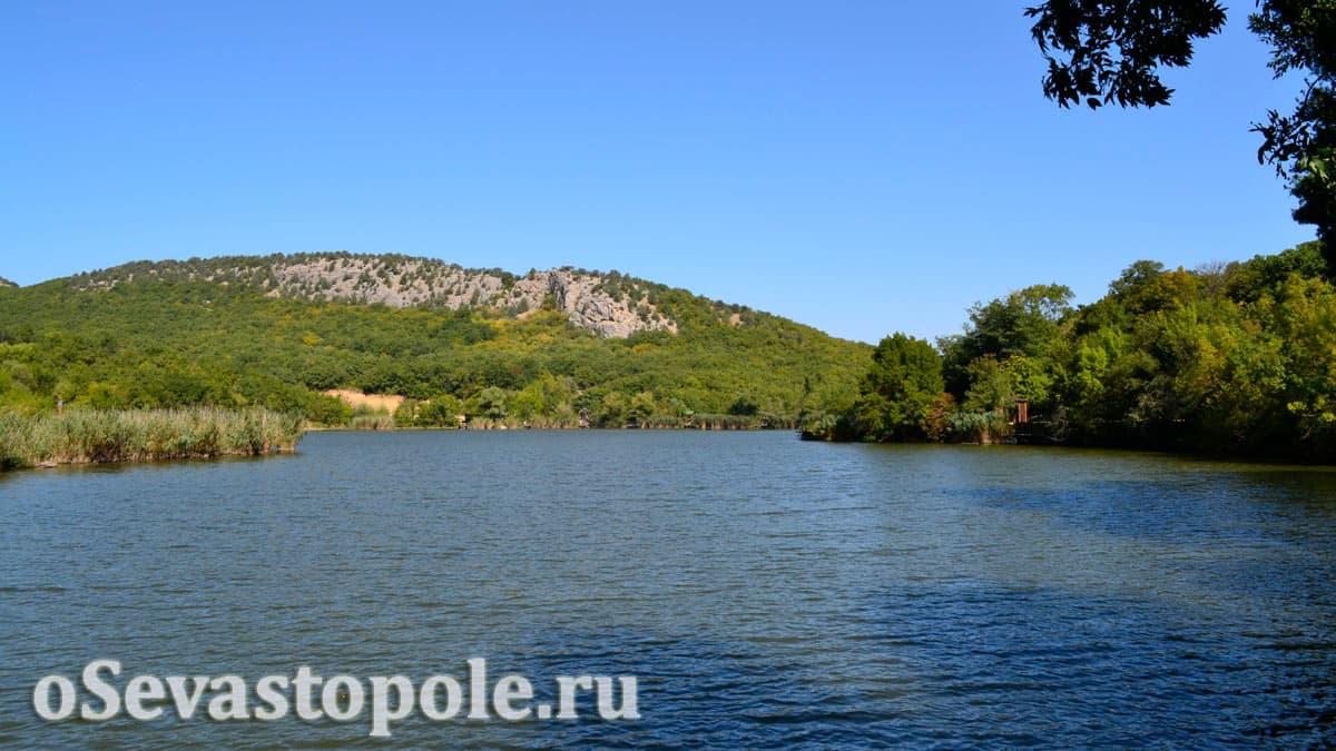 Пруд на Тороповой даче в Севастополе