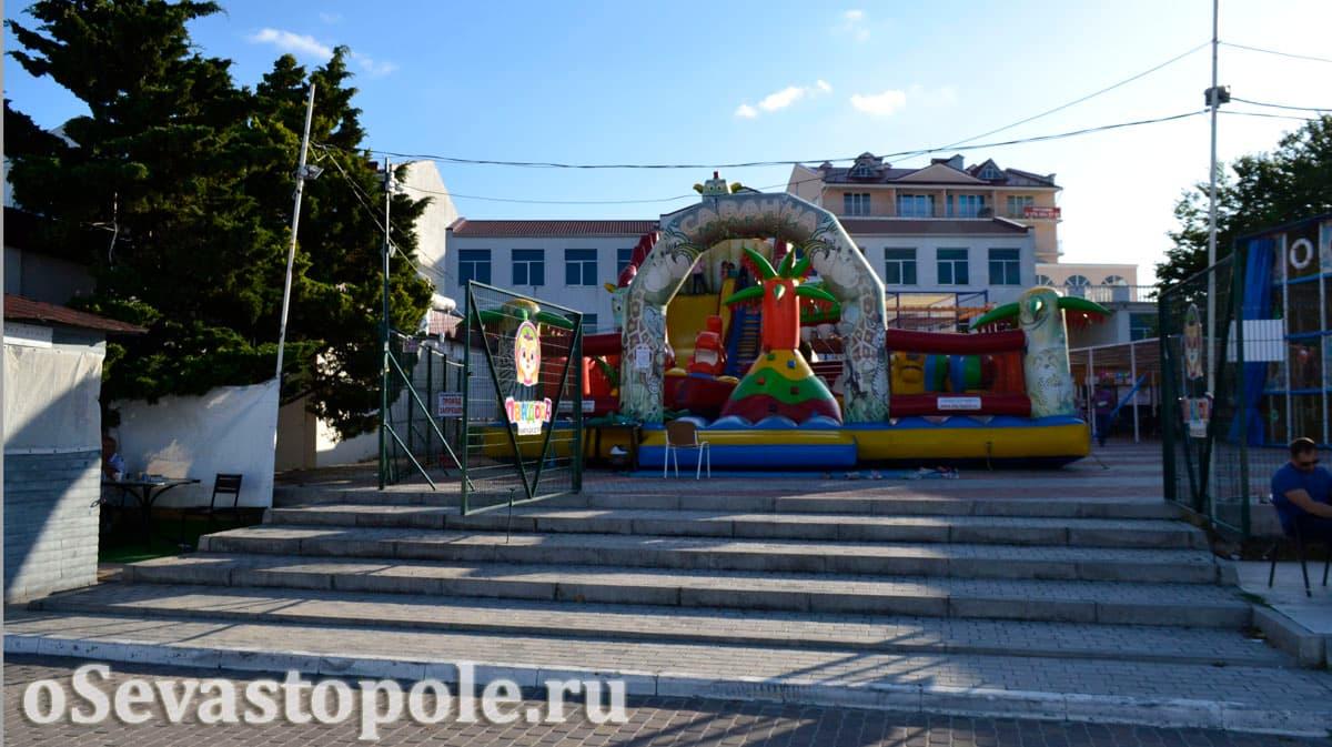 Развлечения для детей на пляже Омега в Севастополе