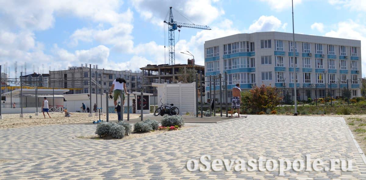 Спортивная площадка на Солдатском пляже в Севастополе