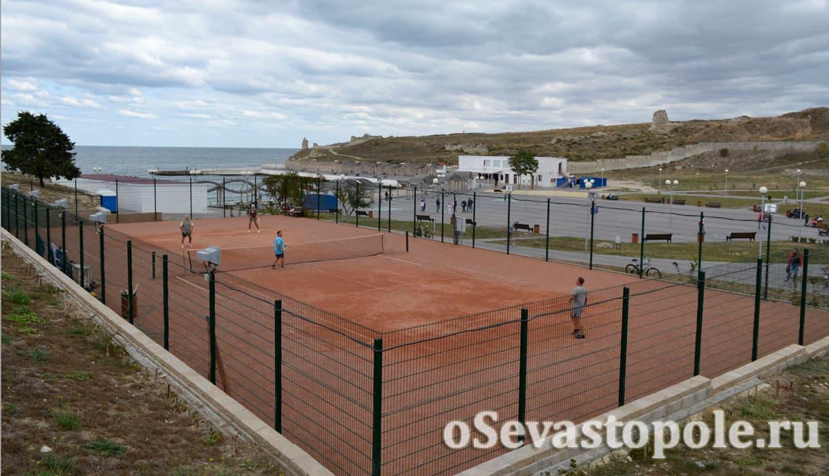 Теннисный корт в парке Ахматовой Севастополь