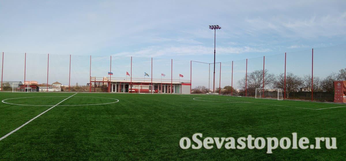 Фото футбольного поля Патриот в Севастополе
