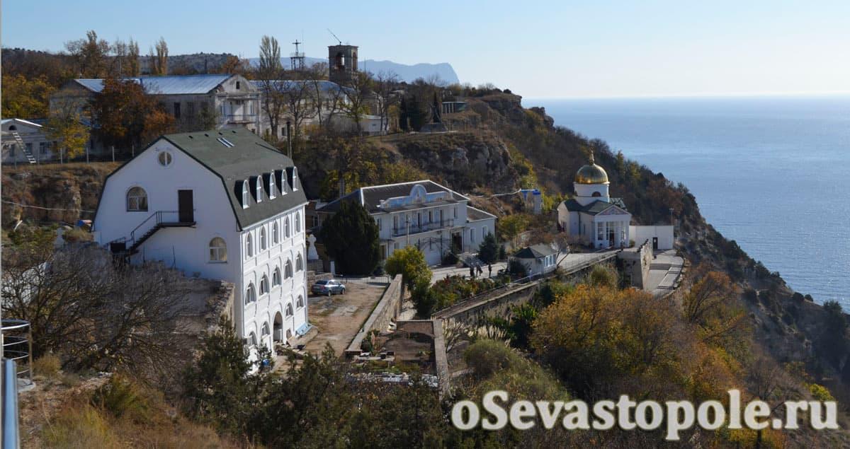 Вид на Георгиевский монастырь из парка на Фиоленте