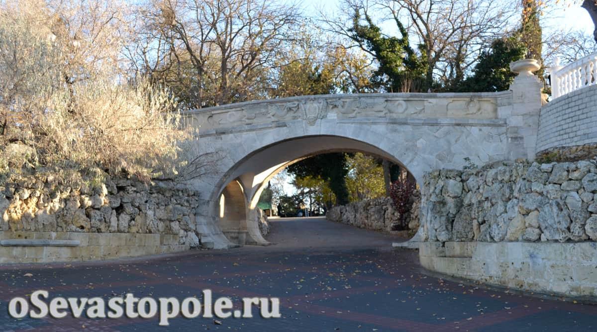 Драконий мостик в Севастополе
