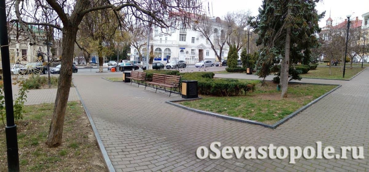 Фото Екатерининского сквера в Севастополе