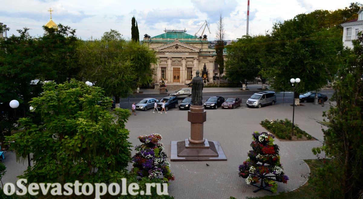 Вид на Екатерининский сквер Севастополя
