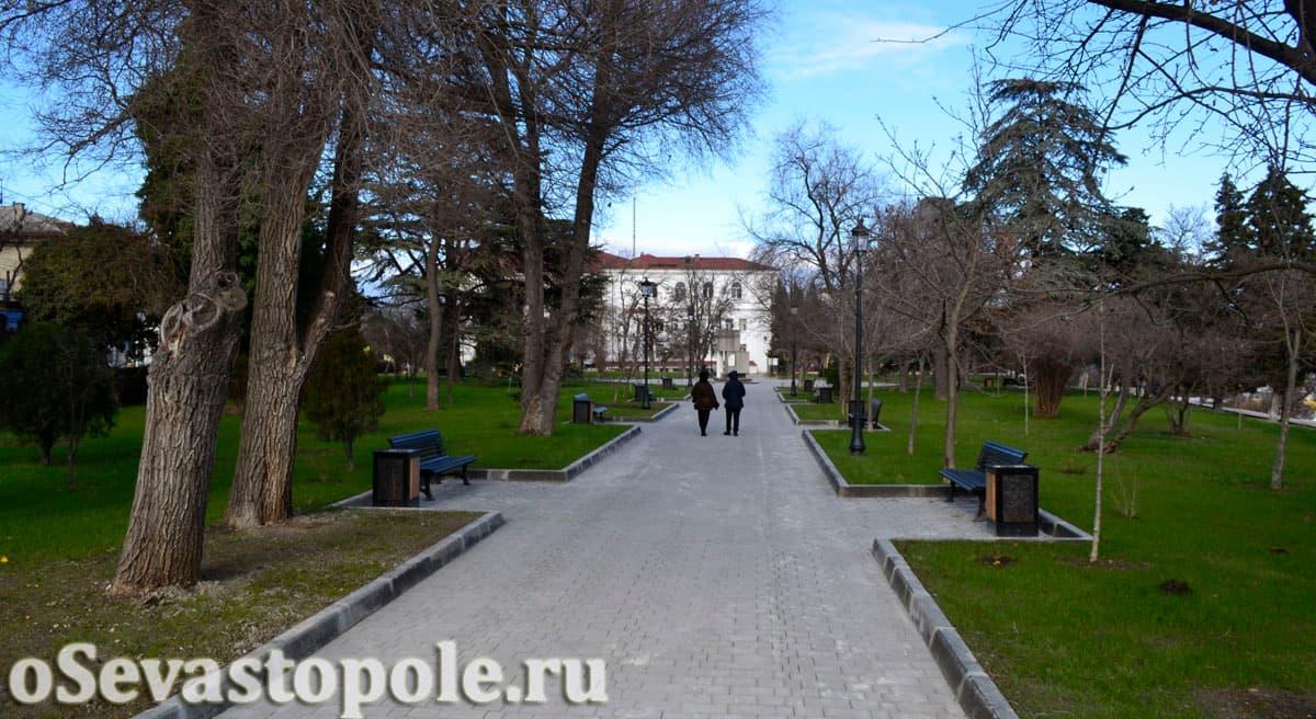 Сквер Ленинского комсомола в Севастополе после реконструкции