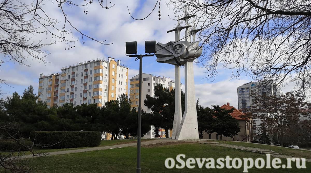 Фото памятника Юрия Гагарина в Севастополе
