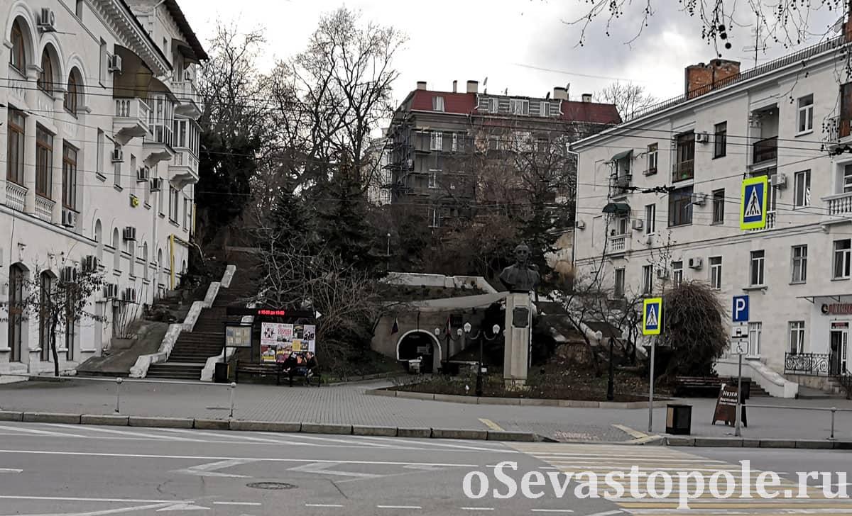 Фотография площади Суворова в Севастополе