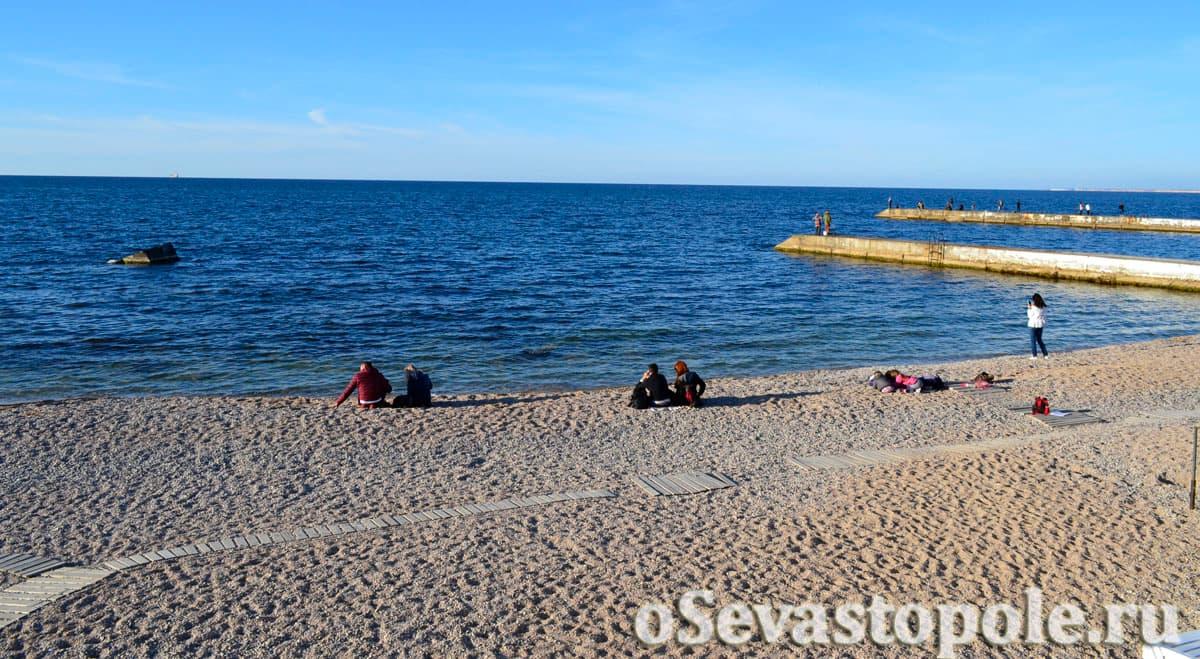 Море на Парке Победы в Севастополе