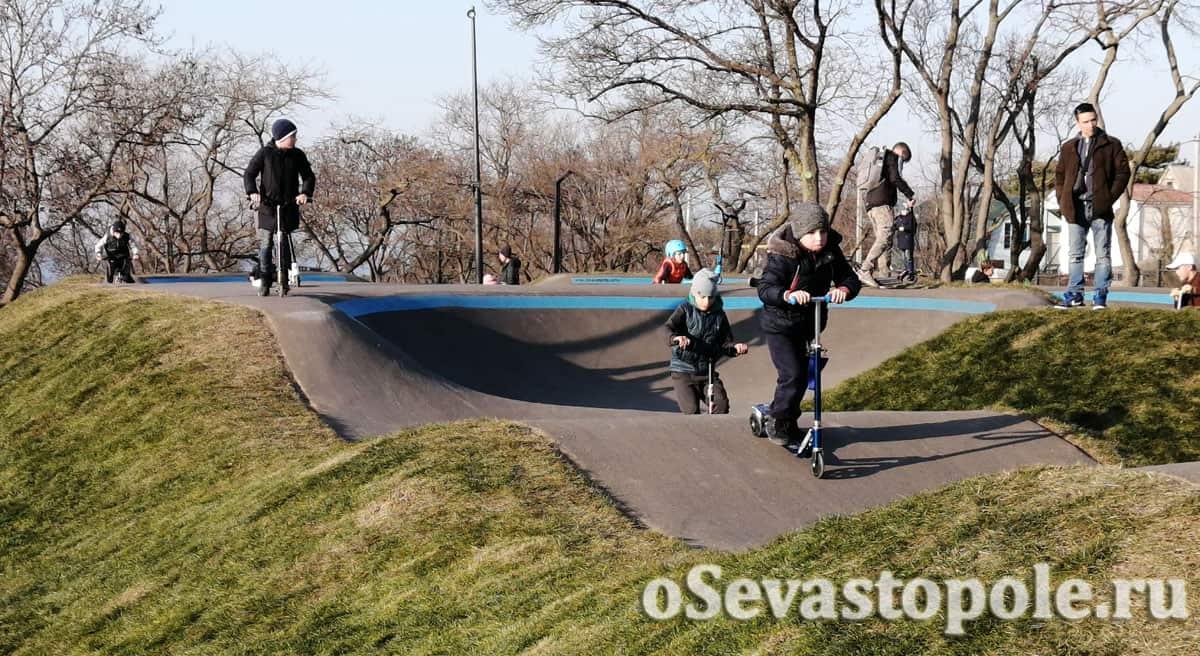Площадка для самокатов в парке Учкуевка