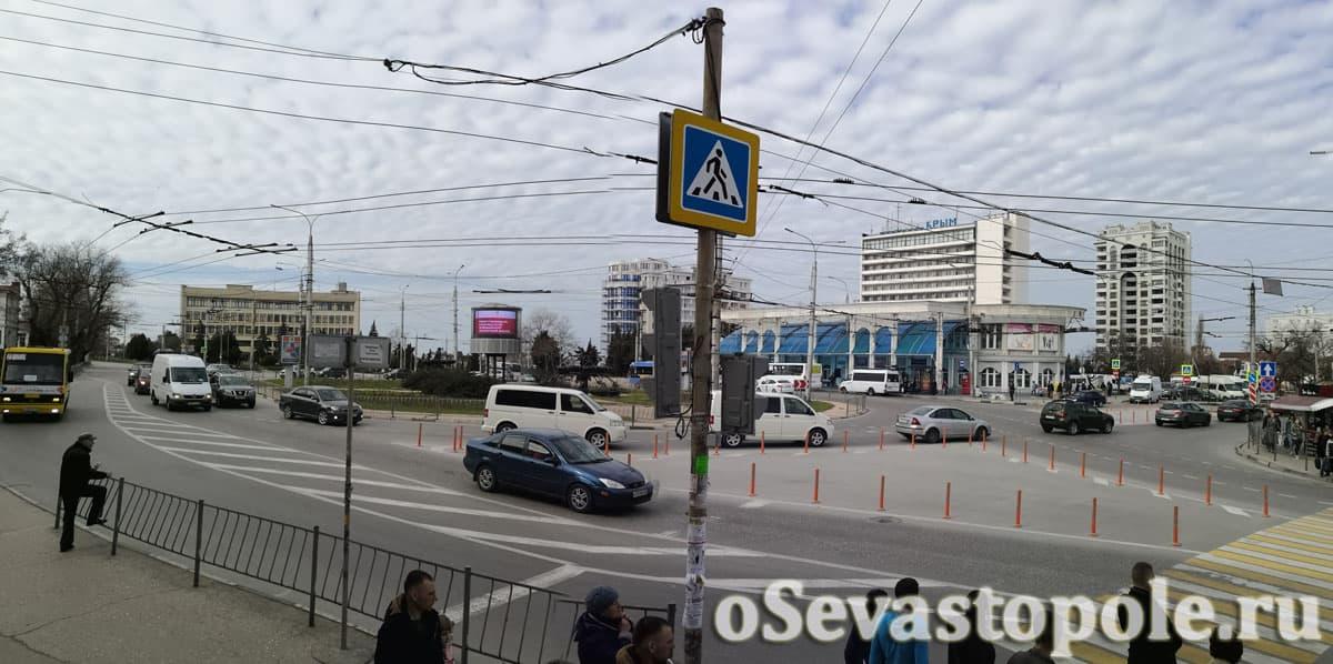 Площадь Восставших Севастополь остановка