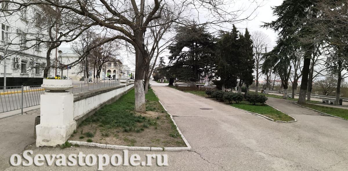 сквер Милицейский в Севастополе