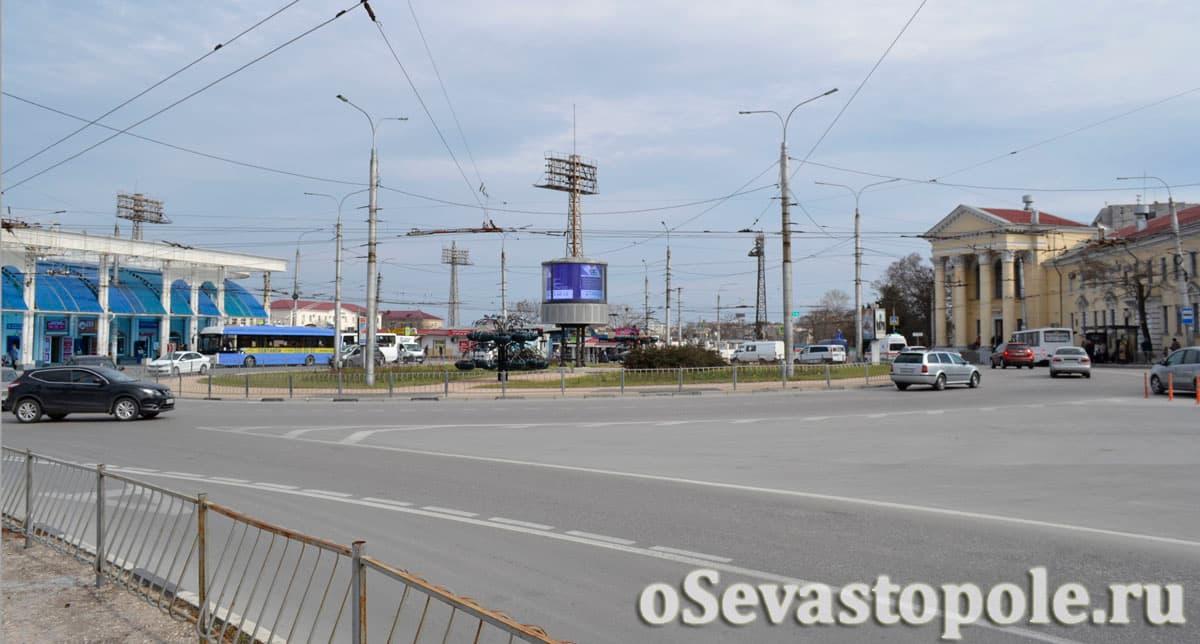 Вид на Площадь Восставших в Севастополе