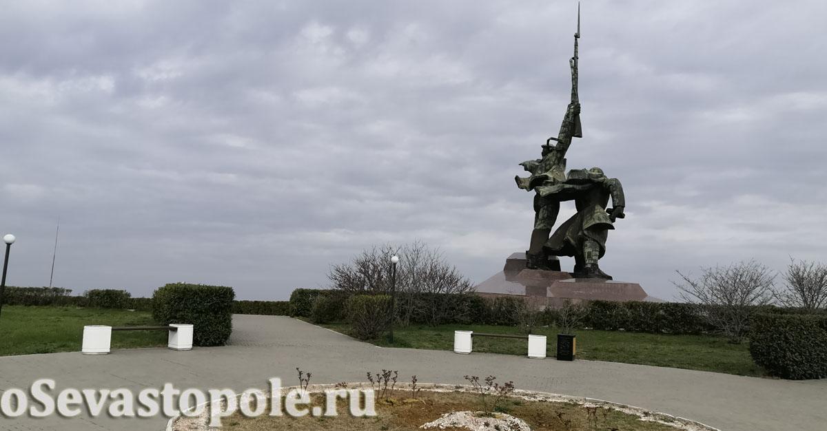 Монумент Солдату и Матросу Севастополь