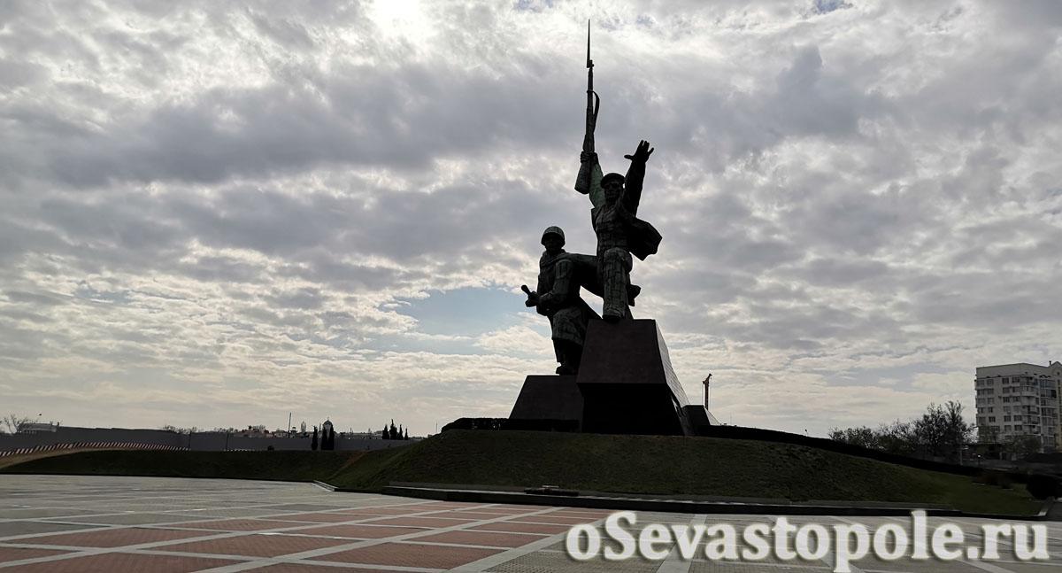 Монумент Солдату и Матросу в Севастополе
