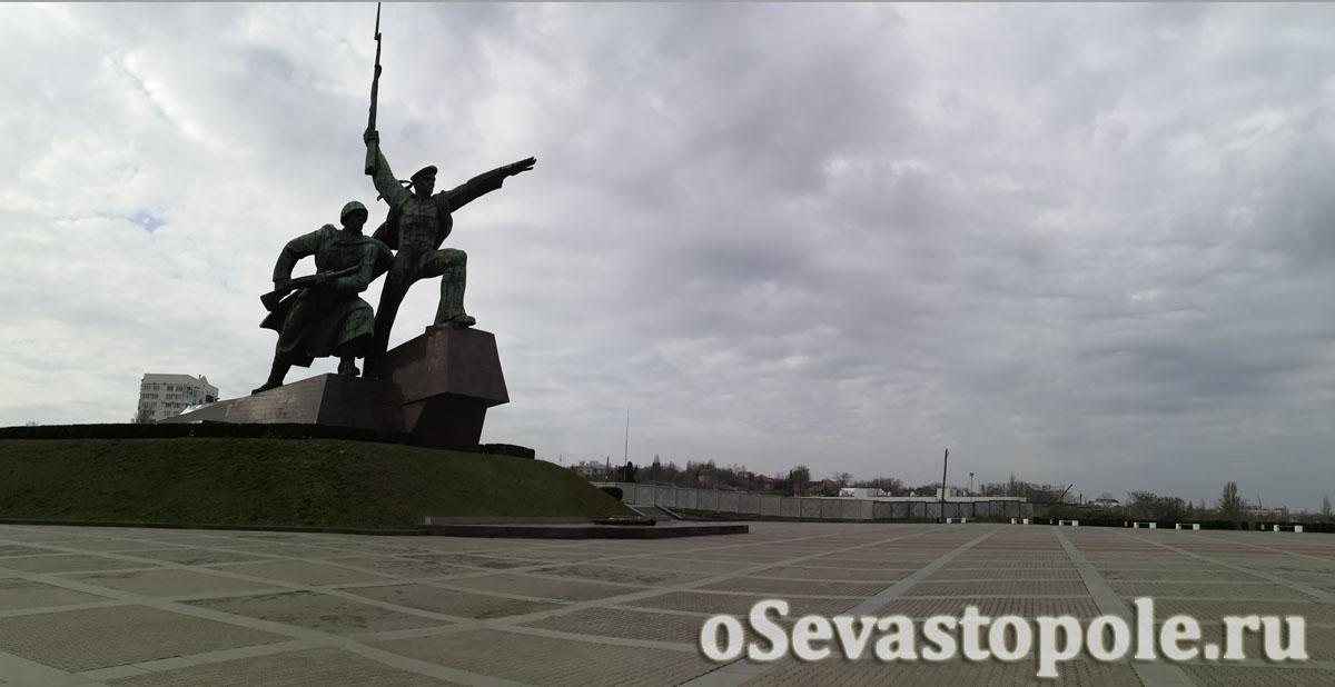 Памятник Солдат и Матрос в Севастополе