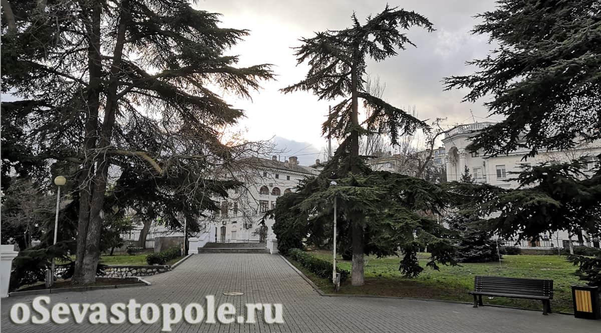 Сквер воинов интернационалистов в Севастополе