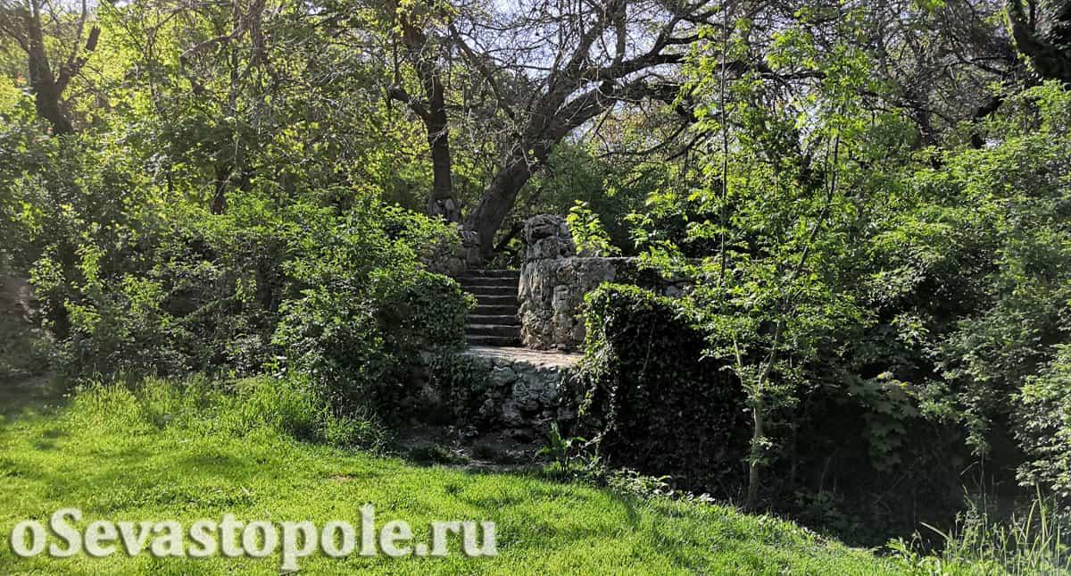 Максимова дача в Севастополе лестница
