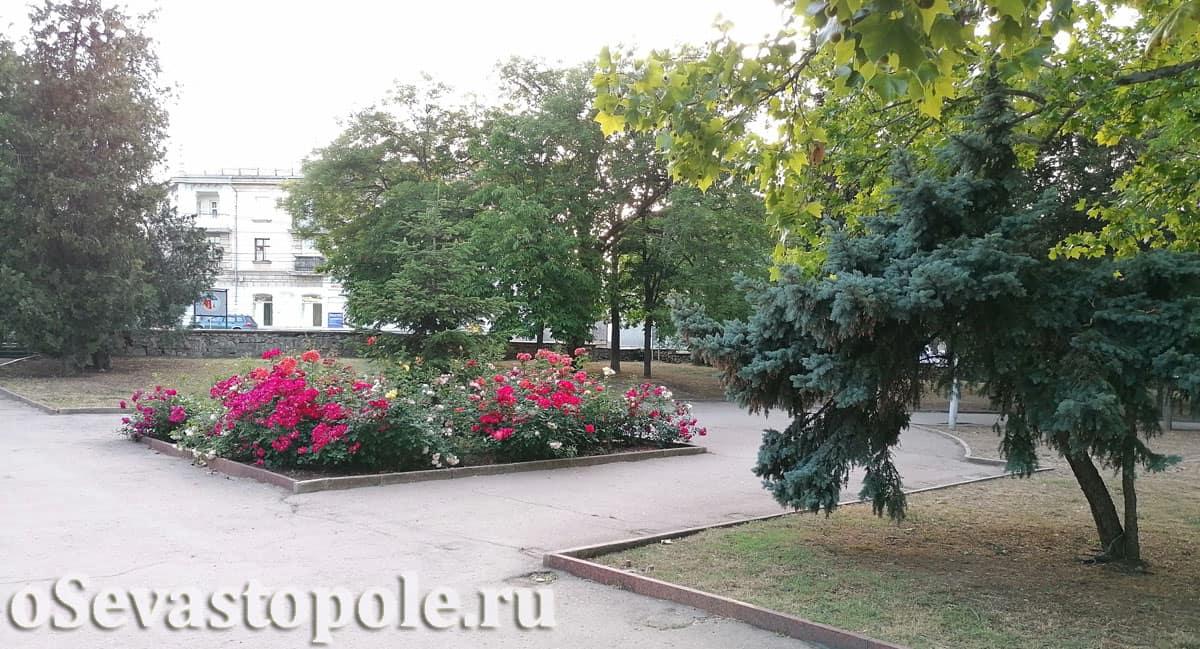 Отдых в Комсомольском парке в Севастополя