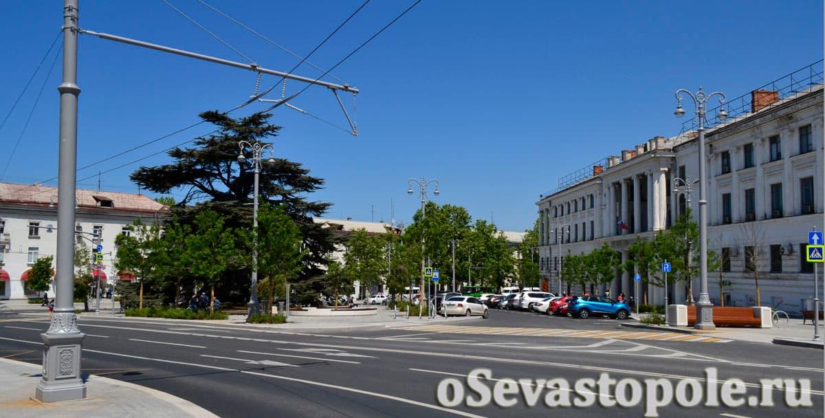площадь адмирала Лазарева в Севастополе