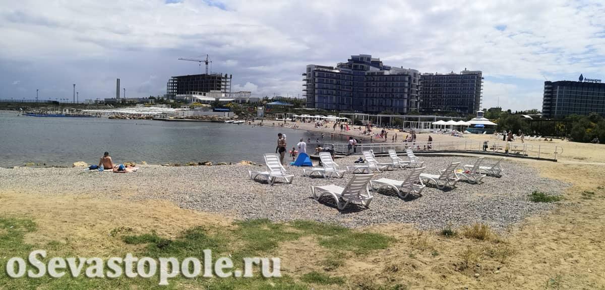 Пляж отеля Аквамарин в Севастополе