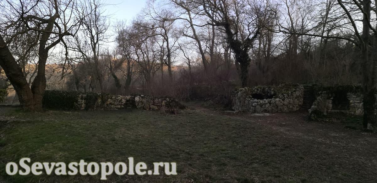 Старый фонтан на Максимовой даче