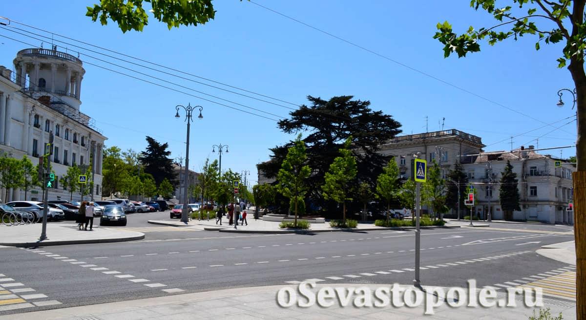 Здания на площади Лазарева Севастополь