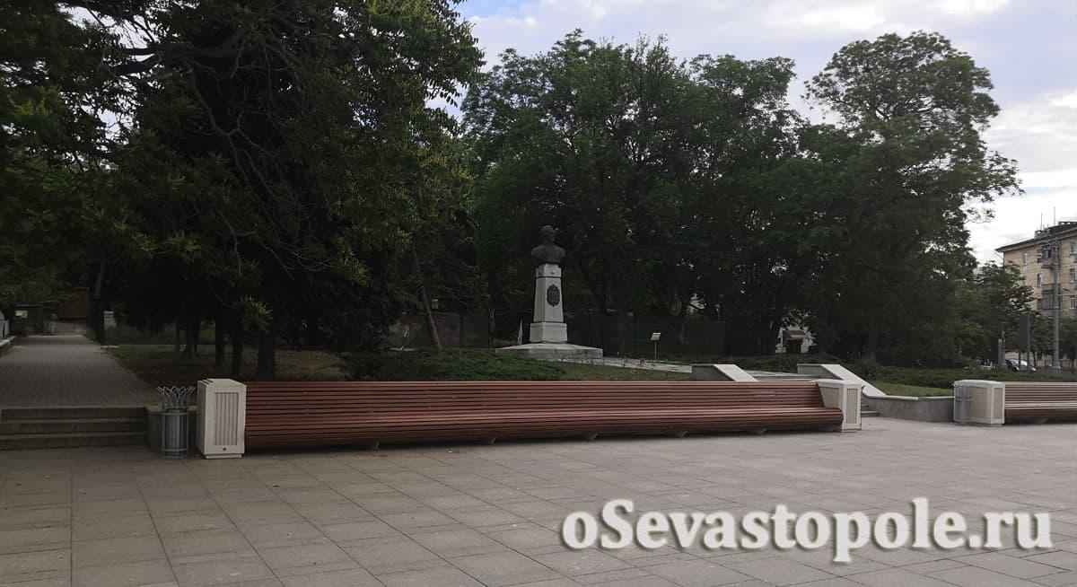 Фото с площади Ушакова в Севастополе