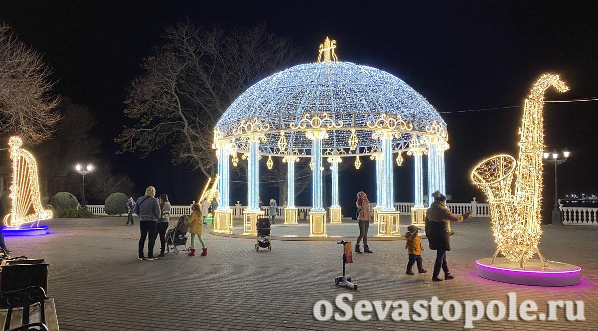 Нарядный Севастополь на Новый год
