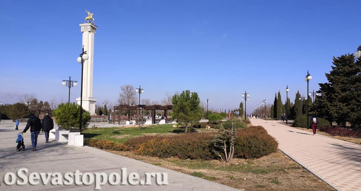 Статуя Св. Георгия Победоносца в Парке Победы