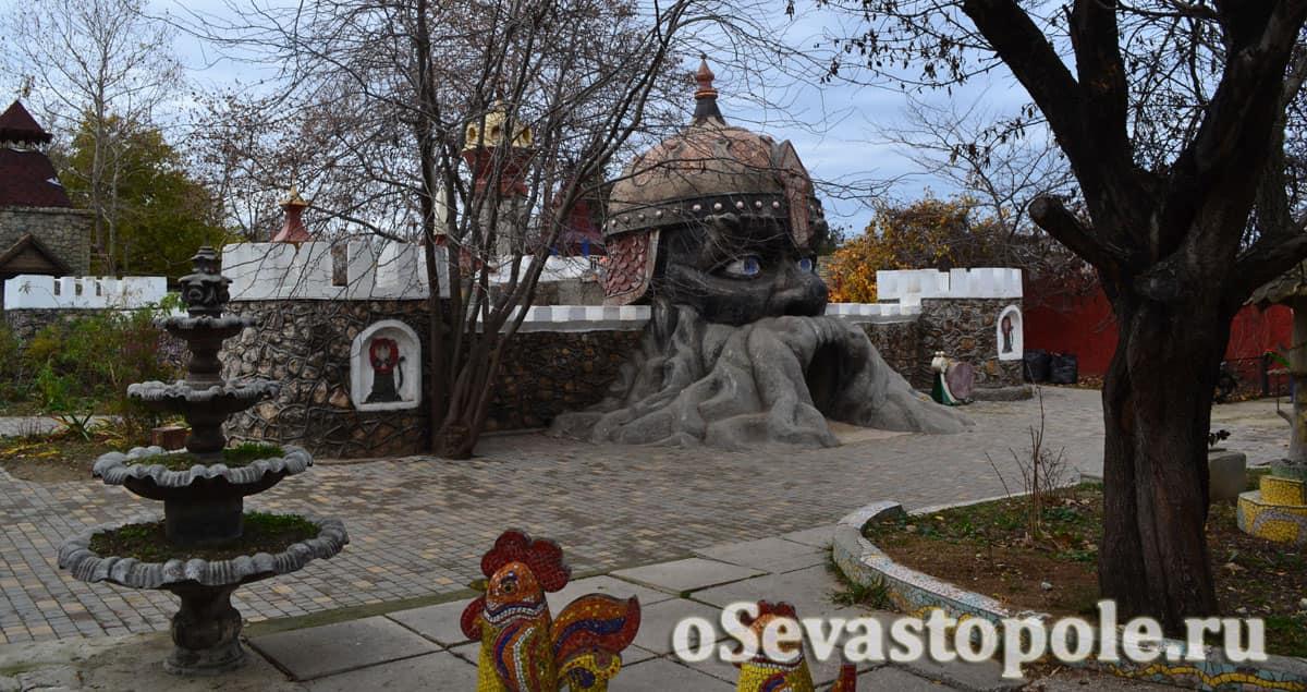 Лабиринт экопарка Лукоморье в Севастополе