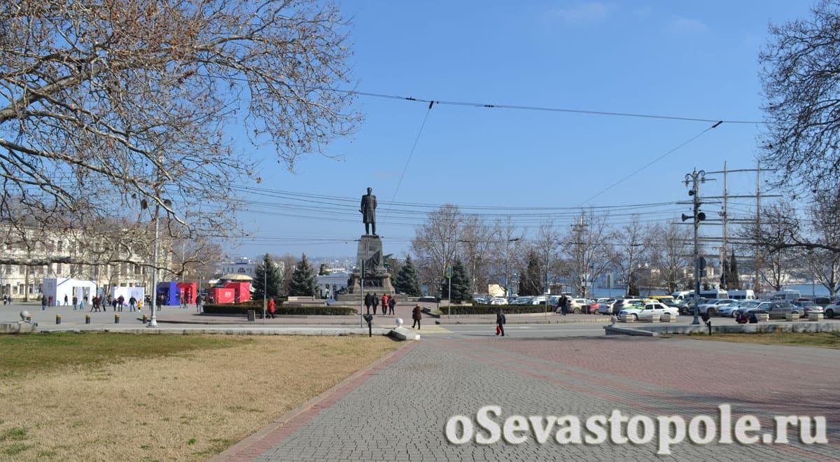 площадь адмирала Нахимова в Севастополе