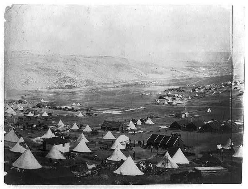 Фото Роджера Фентона. Британский и турецкий военный лагерь в долине под Балаклавой.1855