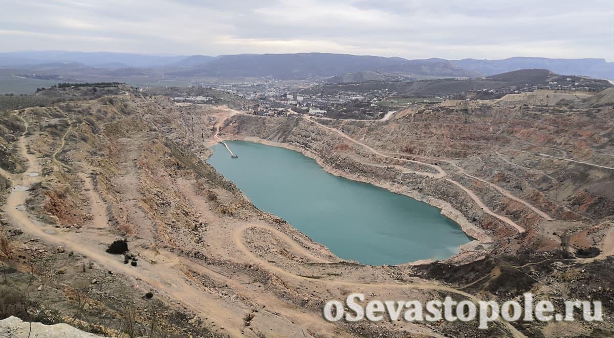 Озеро в Балаклавском карьере Севастополь