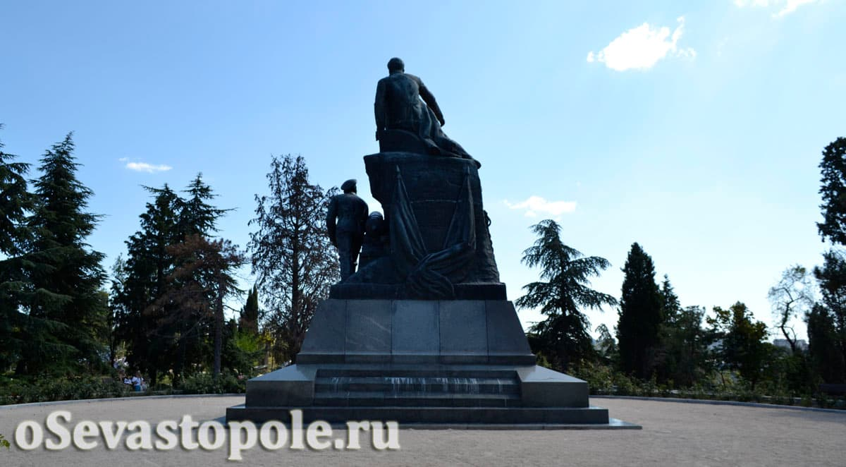 Памятник адмиралу Корнилову Севастополь Малахов Курган