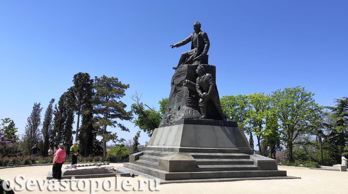 Памятник В.А. Корнилову Севастополь