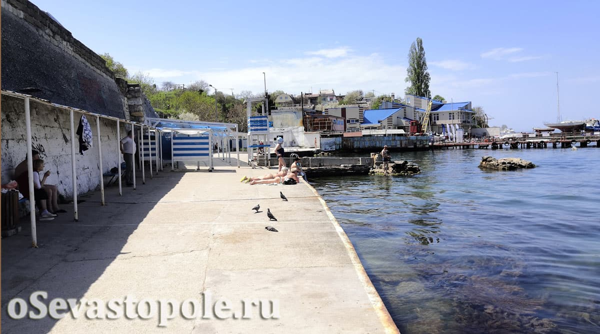 Пляж Ушакова бухта в Севастополе